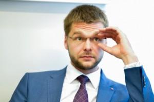 Ossinovski bans alcohol advertising in Estonia